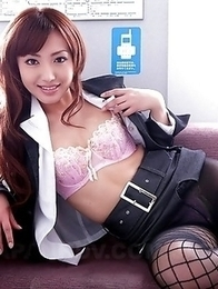 Hot Mami Asakura loves showing off